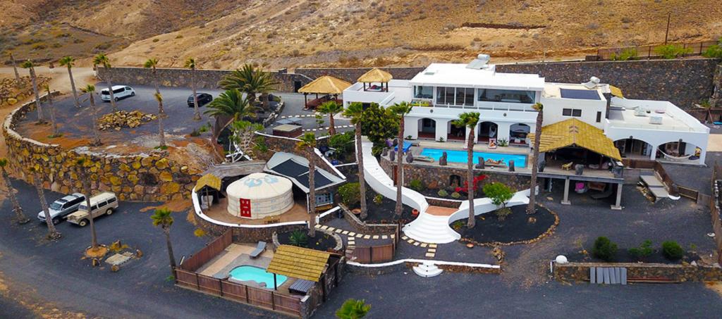 Villa Palacio & Yurts – Lanzarote Retreats glamping en españa