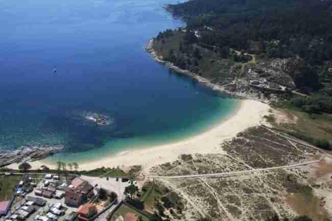 Pernoctar Playa Liméns (Galicia)