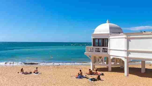 mejor playa de cádiz para visitar en autocaravana y sitios para aparcar
