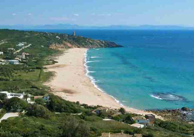 Mejor playa para windsurf y submarinismo en Zahara de los atunes