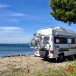 estacionar con la autocaravana en la playa
