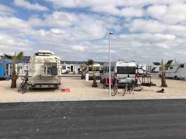 area de autocaravanas los alcazares lugares para visitar y estacionar