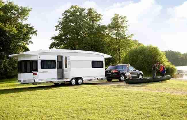 cómo conducir remolcando una caravana