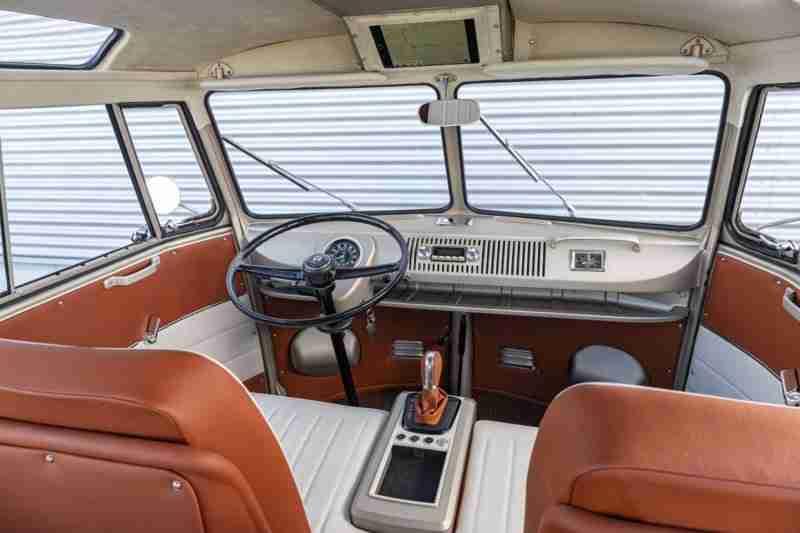 interior ebulli seguros vicente velasco furgoneta electrica