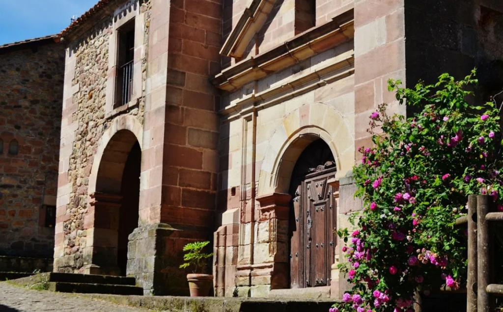Nuestra Señora de la Asunción, en Carmona, Cantabria