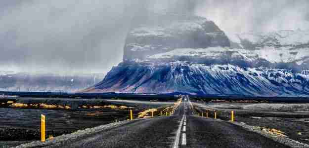 paises-para-viajar-en-autocaravana-islandia-carretera-1