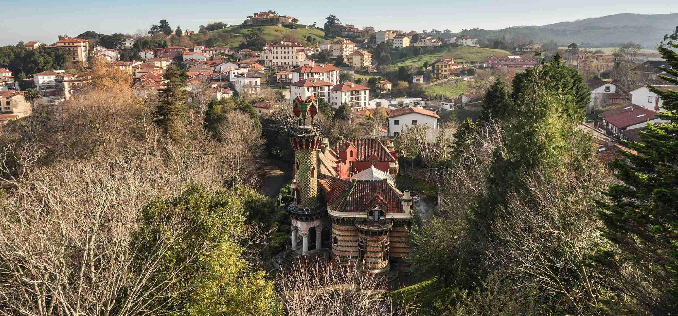El capricho de gaudi turismo cantabria