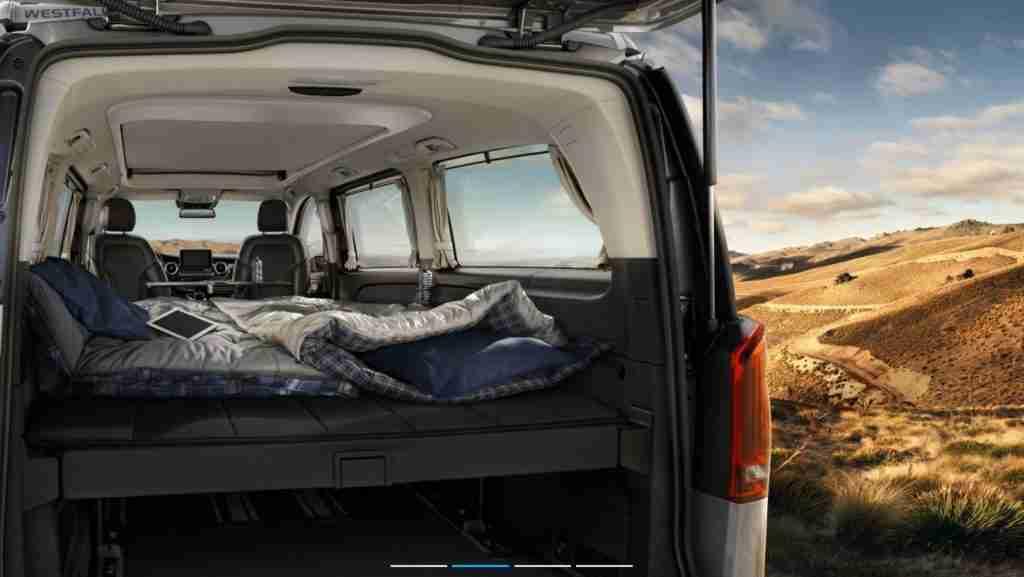 Trasera cama de la autocaravana Marco Polo Horizon de Mercedes Benz
