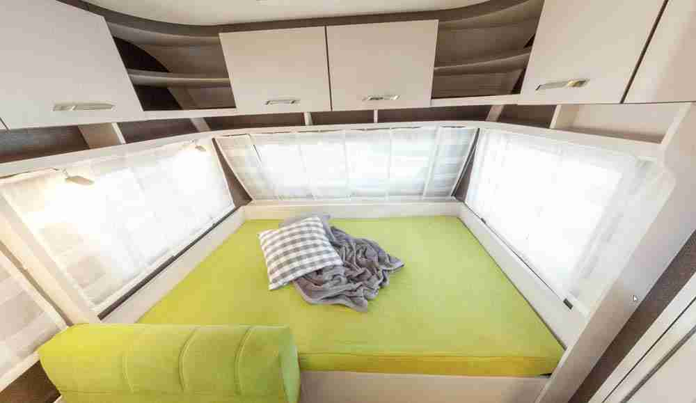 cama doble caravana 495 QSK Dethleffs C'Go