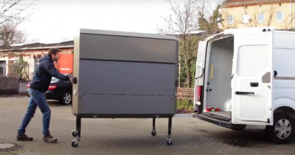 plugvan empuja el modulo en tu furgoneta para hacerla taller