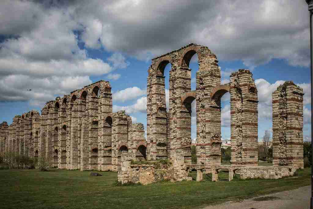 El acueducto de los Milagros de Mérida en Extremadura