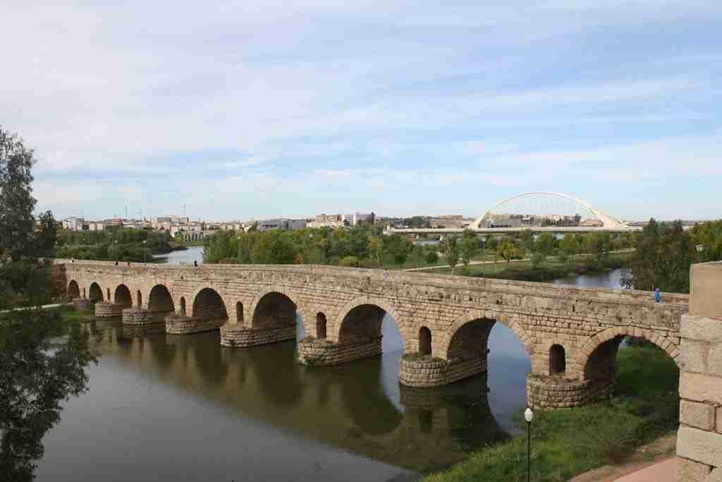 Puente romano de Mérida: sobre el río Guadiana