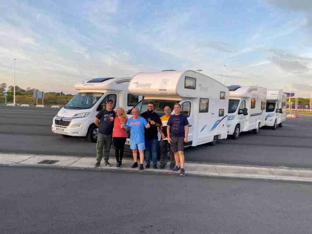 Las autocaravanas de Autocaravanas Europeas en su ruta hacia La Palma /Fernando Yuste